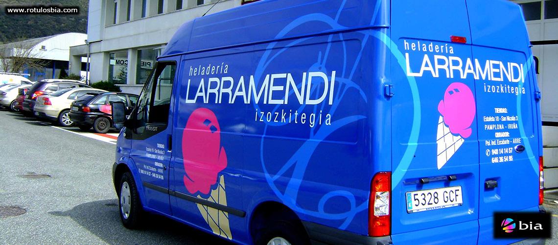 Imagen corporativa en vehículo de empresa
