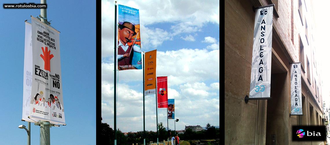 Banderas promocionales para la via pública