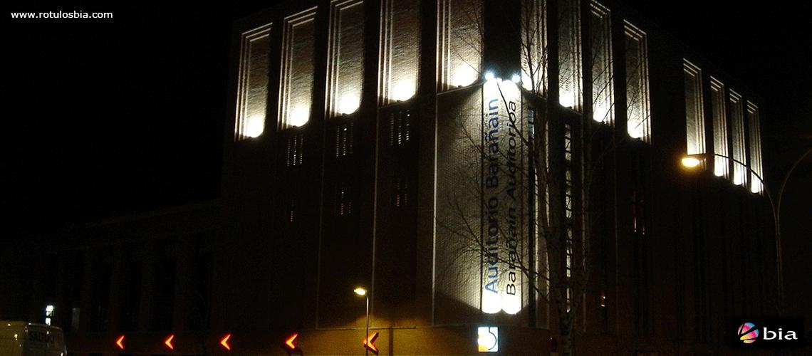 Proyectores para iluminación fachada